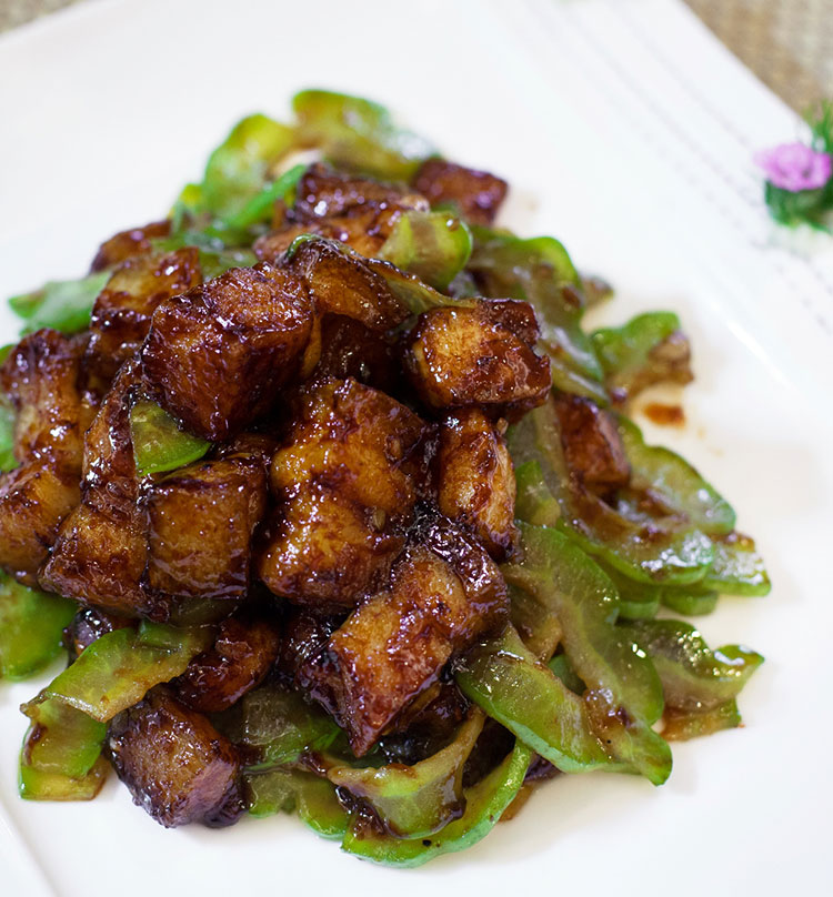 Stir Fried Pork Belly with Bitter Gourd, 豉油皇凉瓜回锅肉