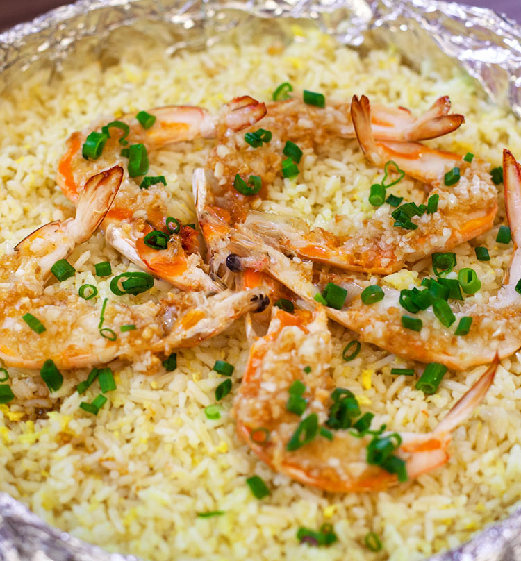 Fried Rice with King Prawn & Minced Garlic in Basket